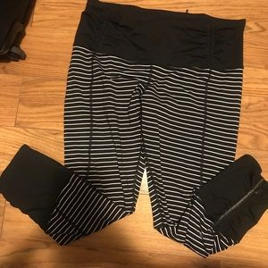 RARE Lululemon Runday crop parallel stripe 10 VGUC